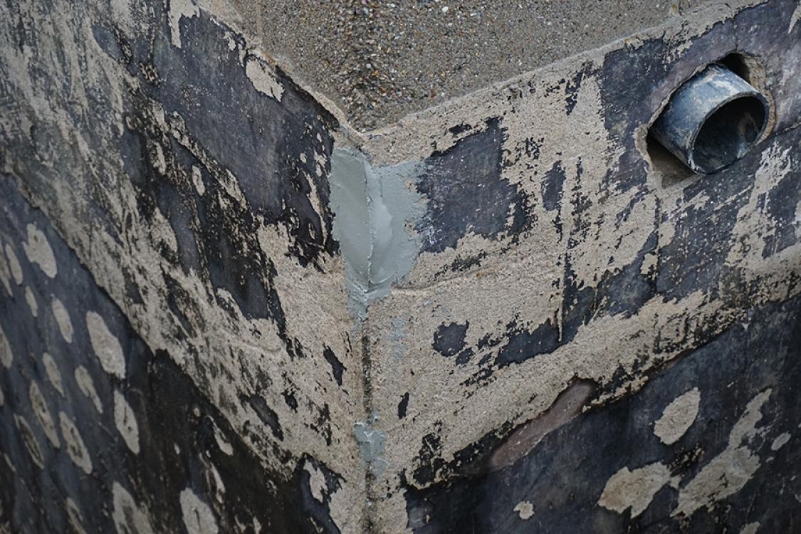 repairing breaks in foundation